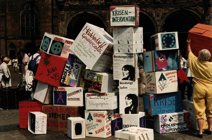 Protest gegen die Bremer Sparpolitik : Aktion der Projekte auf dem Marktplatz
