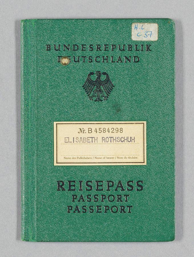 Reisepass von Elisabeth Rothschuh aus den 1960er und 1970er Jahren
